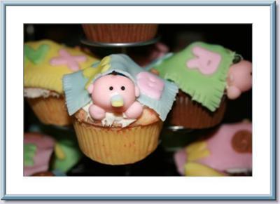 peekaboo-baby-cupcakes-25301
