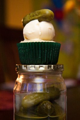 pickle-and-ice-cream-cupcakes-1